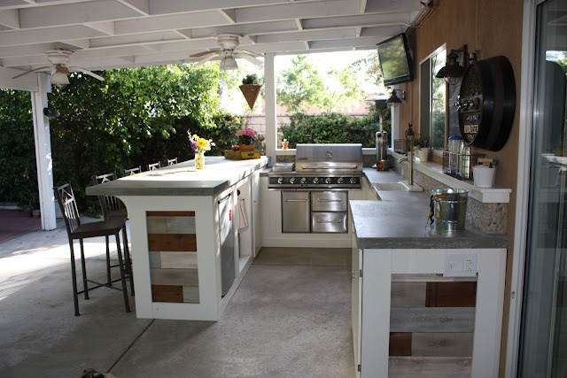 outdoorkitchen3.jpg